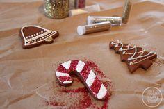 Cinnamon and Glitter Ornaments, via www.thegoldjellybean.com