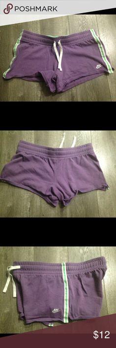 Nike shorts. Size medium Good condition Nike Shorts