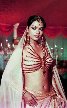 Bollywood Stars, Bollywood Cinema, Indian Bollywood Actress, Beautiful Bollywood Actress, Most Beautiful Indian Actress, Beautiful Actresses, Vintage Bollywood, Hot Actresses, Indian Actresses