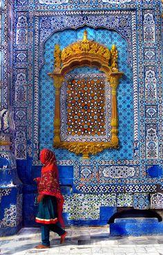 A girl at shrine of Sachal Sarmast, Pakistan