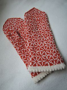 The pattern is from Finnish folk-costume. Täthösiä Pattern.