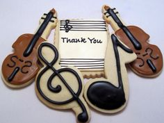 Galletas - Cookies - Thank you cookies for a violinist Sugar Cookie Frosting, Best Sugar Cookies, Royal Icing Cookies, Filled Cookies, Cute Cookies, Decorated Cookies, Edible Cookies, Galletas Cookies, Music Cookies