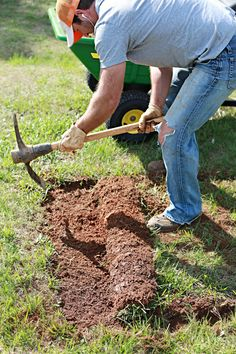 Incroyable Four Ways To Remove Grass For A Garden Bed | Planteresting Things |  Pinterest | Newspaper, Gardens And Check