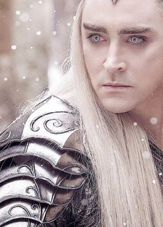 Thranduil, such a pretty picture. I declare this is now one of my favorites of him. :)