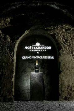 Moet & Chandon Moet Chandon, Champagne, Display, Life, Vintage, Floor Space, Billboard, Vintage Comics