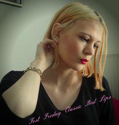 Fest Fredag -  Classic Red Lips