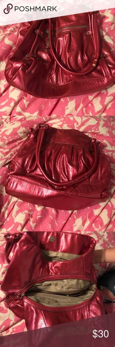Genna De Rossi purse Pink Genna De Rossi purse, there are signs of wear on the handles, other than that it's in good condition. Genna De Rossi Bags Shoulder Bags