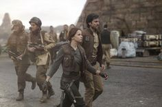 Star Wars Rogue One Set Photos: Jyn and Cassian|rebelcaptain|