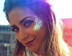 sparkle bliss this gorgeous chunky iridescent mermaid glitter is available on our website! shop now: sparkle bliss this gorgeous chunky iridescent mermaid glitter is available on our website! shop now: Rave Halloween, Halloween Festival, Halloween Makeup, Glitter Carnaval, Make Carnaval, Mermaid Glitter, Body Glitter, Glitter Face Makeup, Glitter Eyeshadow
