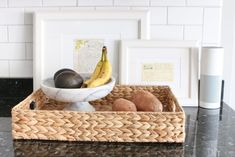 How to Combat Countertop Clutter in your Kitchen Use a fruit bowl and basket to corral produce This image has. Produce Baskets, Produce Storage, Fruit Storage, Kitchen Items, Kitchen Decor, Kitchen Storage, Diy Playbook, Kitchen Countertops, Decorative Bowls