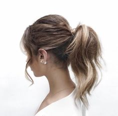 Really quick hairstyles for long hair Hairstyle Monkey Long Curly Hair, Wavy Hair, Her Hair, Curly Hair Styles, Night Hairstyles, Quick Hairstyles, Ponytail Hairstyles, Hair Ponytail, Casual Hairstyles