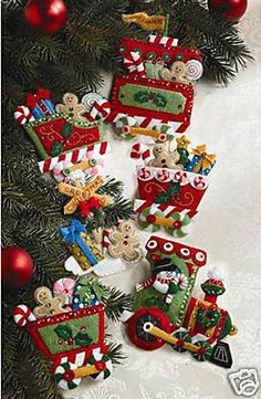 Bucilla Candy Express Train ~ Felt Christmas Ornament Kit #86157, Frosty, 6 Pces