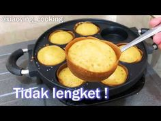 3 Menit Belajar Memasak Martabak Mini Super Mudah Super Enak, Lembut dan Bersarang !! 😍 - YouTube Indonesian Desserts, Asian Desserts, Healthy Dessert Recipes, Cake Recipes, Snack Recipes, Cooking Recipes, Mini Cakes, Cupcake Cakes, Cooking Cake
