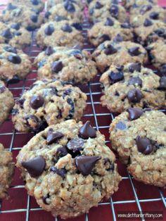 Healthier Dark Chocolate Cherry Oatmeal Cookies!