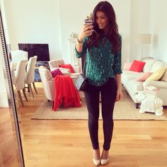 Mimi Ikonn | Black skinny jeans, polka dot top, classy outfit, date outfit