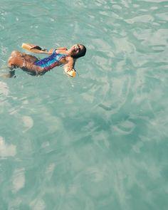 A grande paixão pelo mar! ��☉ #photography #sea #instamood #love #life #girl #picture #photooftheday http://tipsrazzi.com/ipost/1515968647100570948/?code=BUJzXPdDx1E