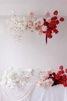 Modern Wedding Flowers, Floral Wedding, Wedding Bouquets, Wedding Colours, Mod Wedding, Hanging Flowers, Table Flowers, Modern Floral Design, Flower Installation