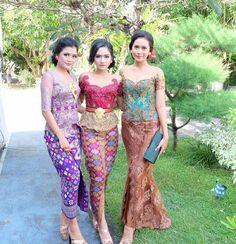30 Model Kebaya Bali Modern Terbaru 2018 Vera Kebaya, Kebaya Lace, Batik Kebaya, Kebaya Dress, Model Rok Kebaya, Model Kebaya Brokat Modern, Batik Fashion, Ethnic Fashion, Asian Fashion