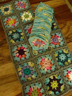Transcendent Crochet a Solid Granny Square Ideas. Inconceivable Crochet a Solid Granny Square Ideas. Granny Square Crochet Pattern, Crochet Squares, Crochet Granny, Crochet Blanket Patterns, Granny Squares, Crochet Blankets, Crochet Quilt, Crochet Blocks, Love Crochet