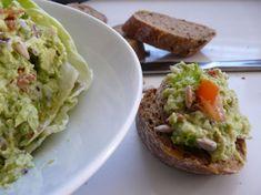 Avokádová nátierka Avocado Toast, Guacamole, Tacos, Mexican, Breakfast, Ethnic Recipes, Food, Morning Coffee, Eten