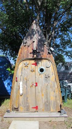 Six things you can turn into an outhouse » Outside Toilet, Outdoor Toilet, Building An Outhouse, Outhouse Ideas, Survival Project, Storage Container Homes, Outdoor Bathrooms, Thousand Islands, Boat House