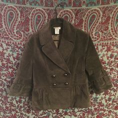 Velvet Peplum Blazer Velvet blazer with peplum- perfect for fall and winter styling! Related Tags: #brass #anthropologie #classy #workwear #office #fall #crushed #olive #peplum #3/4 sleeves #silk Jackets & Coats Blazers