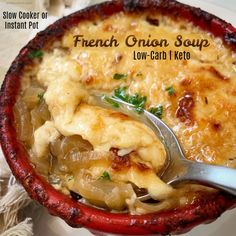 Slow Cooker/Instant Pot Low-Carb French Onion Soup (Keto) looks like only net carbs/serving per her calculations Crockpot French Onion Soup, Onion Soup Recipes, Low Carb French Onion Soup Recipe, Slow Cooker Soup, Slow Cooker Recipes, Low Carb Crockpot Recipes, Low Carb Slow Cooker, Ketogenic Recipes, Healthy Recipes