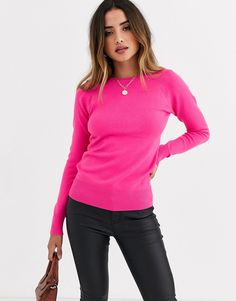 Find the best selection of French Connection Babysoft raglan knit sweater. Shop today with free delivery and returns (Ts&Cs apply) with ASOS! Jogger Pants Outfit, Joggers, Latest Outfits, Stylish Outfits, French Connection Style, Sweater Fashion, Pink Sweater, Knitwear, Chicago Style