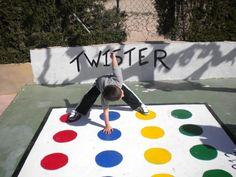 twister juego pintado en patio - Buscar con Google