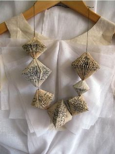 Folded paper necklace. I simply cannot locate the original source. Anyone have any leads?