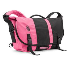 The D-Lux Laptop Messenger with racing stripe    http://www.timbuk2.com/tb2/products/d-lux-laptop-messenger-racingstripe/2114760