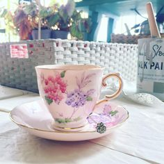 ... didn't want to throw out a good but colour worn basket ... time for a lovely cup of tea ...  {lovely vintage 1940s Tuscan pink hydrangea & blue butterfly stencilled & hand painted bone china teacup}