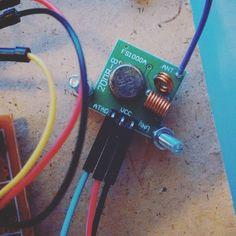 433Mhz RF Transmitter on my arduino weather station project #arduino #arduinouno #uno #microcontroller #electronics #closeup #macro by thedarkghost