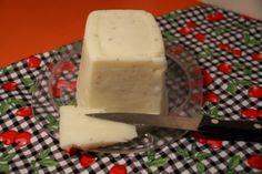 Mandioqueijo, o queijo vegano https://cullinarices.wordpress.com/2013/11/18/mandioqueijo-queijo-vegano/