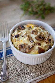 ovos com cogumelos e queijo no forno, uma receita para ajudar a começar a semana