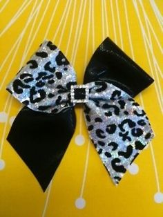 Adorable bow!!!:)
