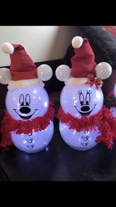 Snowman crafts Awesome Christmas Decorations on a Budget – Fish Bowl Snowman Disney Christmas Crafts, Disney Christmas Decorations, Mickey Christmas, Disney Ornaments, Disney Crafts, Christmas Projects, Holiday Crafts, Christmas Diy, Christmas Gifts To Make