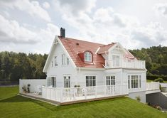 Norwegian House, Painted Brick Exteriors, Compact House, Modern Farmhouse Exterior, Villa, Red Roof, House Goals, Home Fashion, House Painting