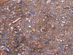 Textura del suelo de tumbes, se aprecian diversos residuos los cuales hacen que esta sea muy variada