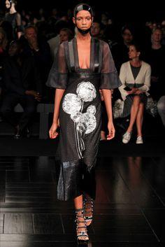 Paris Fashion Show Alexander McQueen - Spring Summer 2015 - Vogue