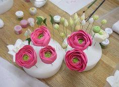 how to make ranunculus sugar flowers  Cukorpasztát és eszközöket vásárolj a GlazurShopban! http://shop.glazur.hu