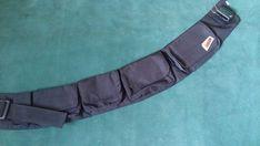 Cartucheira de cordura, 4 bolsos com tampa e velcro, mais um bolso para isqueiro. Cinto regulável, tamanho 78cm mais 23cm para regular; bolso para isqueiro 8x4; bolso 1 - 8x10cm; bolso 2 - 8x12cm; bolso 3 - 8x15; bolso 4 - 8x16