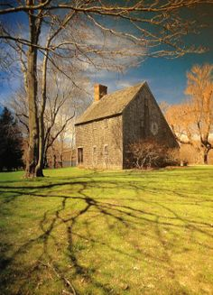 1675 Hoxie House - Sandwich, Massachusetts ~ believed to be oldest surviving house on Cape Cod. In many ways representative of early New England colonial style w/ its simple, sturdy construction and steeply pitched roof.