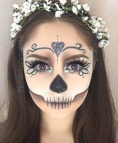 Sugar Skull Makeup - My Crazy Makeup Looks - Halloween Sugar Skull Make Up, Halloween Makeup Sugar Skull, Halloween Skull, Easy Halloween, Sugar Skull Makeup Easy, Women Halloween, Vintage Halloween, Half Skull Makeup, Halloween 2017