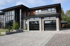 Portes de garage Garex / Modèle Panoramique personnalisé / Couleur: noir / fenêtres: verre réfléchissant / www.garex.ca
