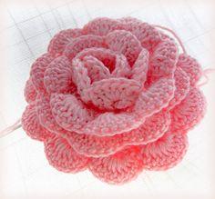 Rose applique - Free crochet pattern