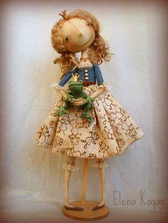 ------------  Когда я обдумывала идею этой куклы, то у меня было несколько вариантов концепции. (Да, вот не могу я сейчас без концепции, смы...