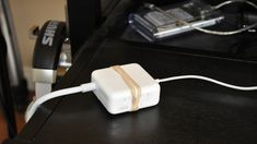 Use a Rubber Band to Keep Your Laptop's Power Brick from Slipping Off Your Desk by lifehacker #Power_Brick