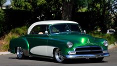 1952 Chevrolet Bel Air Pro Touring 2009 Amsoil/Street Rodder Road Tour Car presented as lot S120 at Anaheim, CA 2015 - image12