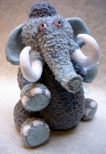 Alan Dart Knitting Pattern: Wally Mammoth